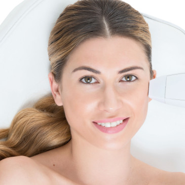 Venus Viva™: Say goodbye to wrinkles, acne scars and uneven skin tone!